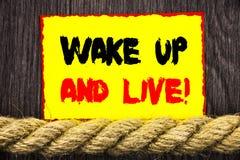 Ręcznie pisany teksta szyldowy seans Budził Się I Żyje Konceptualnego fotografia sukcesu Motywacyjnego sen życia Żywy wyzwanie pi fotografia royalty free