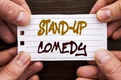 Ręcznie pisany teksta szyldowy seans Stoi Up komedię Biznesowy pojęcie dla rozrywka klubu zabawy przedstawienia komedianta nocy p obrazy stock