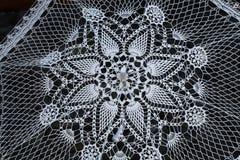 Ręcznie robiony biały koronkowy parasol Obraz Stock