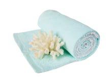 Ręcznik i koral na białym tle fotografia royalty free
