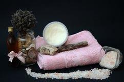 Ręczniki i sól, zdroju poczęcie Fotografia Stock