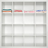Ręczniki w bieliźnianej szafie Obraz Stock