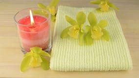 Ręcznikowa i szklana świeczka zdjęcie wideo