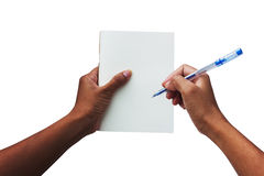 Ręk kobiety trzyma białą książkę i pióro Fotografia Royalty Free