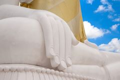 Ręka biały Buddha nieba błękita tło zdjęcie royalty free