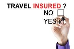 Ręka biznesmen podróży akceptujący ubezpieczający zdjęcie stock