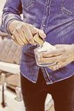 Ręka fryzjer męski przygotowywa golenie pianę Fotografia Royalty Free