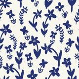 Ręka malujący błękitni stylizowani kwiaty na creme tła seameless powtórce ilustracja wektor