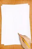 Ręka Ołówkowego rysunku bielu Puści prześcieradła obraz stock