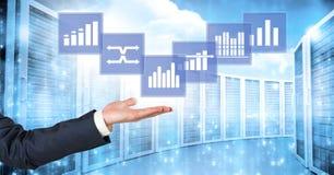 Ręka oddziała wzajemnie z biznesowej mapy statystyki ikonami Obraz Stock
