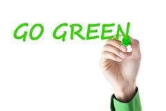 Ręka pisze Iść zieleń Fotografia Royalty Free