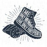 Ręka rysująca etykietka z textured butami wektorowa ilustracja i literowanie Obrazy Royalty Free