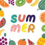 Ręka rysująca wektorowa ilustracja lato tekst i owoc rama na białym tle Abstrakcjonistyczna doodle tapeta fotografia stock