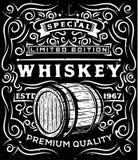 Ręka rysująca whisky etykietka z drewnianą baryłką i kwiecistymi kaligraficznymi elementami ilustracja wektor