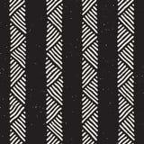 Ręka rysujący stylowy etniczny bezszwowy wzór Abstrakcjonistyczny geometryczny tafluje tło w czarny i biały Fotografia Stock