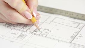 Ręka rysuje mieszkanie projektant zbiory wideo