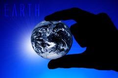 ręka trzymająca ziemi Zdjęcia Royalty Free
