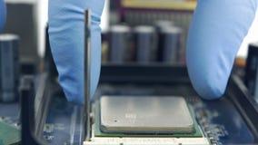 Ręka Usuwa Komputerowego procesor zdjęcie wideo