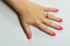 Ręka z pierścionkami Fotografia Royalty Free