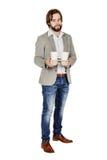 ręki biznesowych filiżanek rozporządzalny format target1529_1_ horyzontalnego odosobnionego mężczyzna odosobniony bierze taca bie Obrazy Royalty Free