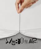 Ręki ciągnienia arkany otwarty marszczący papierowy przedstawienie WEBINAR Fotografia Stock
