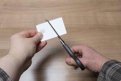 Ręki ciie kartę debetową lub kredyt Obraz Royalty Free