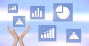 Ręki dosięga dla biznesowej mapy statystyki ikon Obraz Royalty Free