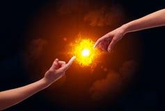 Ręki dosięga dla słońca Obrazy Royalty Free
