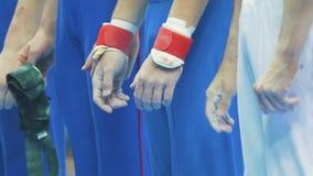 Ręki męscy particapants gimnastyczny mistrzostwo zdjęcie wideo
