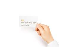Ręki mienia kredytowej karty pusty biały mockup Obrazy Stock