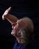 ręki mienia mężczyzna okaleczający okaleczać Fotografia Royalty Free