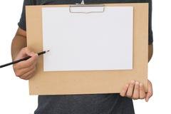 Ręki mienia puste miejsce miąca notatka na borad Obraz Royalty Free