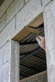 Ręki obmycia cement budujący Zdjęcia Stock