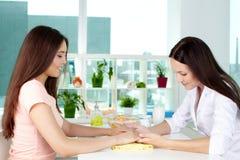 Ręki opieki konsultacja Zdjęcie Stock