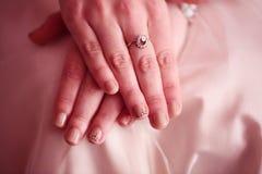 Ręki panna młoda zdjęcie royalty free