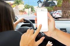 Ręki trzyma dotyka telefon z pustym ekranem Obrazy Royalty Free