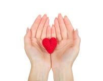 Ręki trzyma serce zdjęcie royalty free