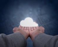 Ręki trzymają chmurę Zdjęcia Stock
