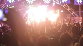 Ręki up na festiwalu muzyki zbiory