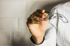 Ręki w przedpolu z pieniądze Obrazy Royalty Free