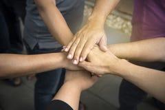 Ręki wpólnie dla jedności i części sukcesu Obrazy Royalty Free