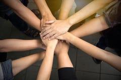 Ręki wpólnie dla jedności i części sukcesu Fotografia Stock