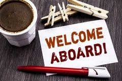 Ręki writing teksta podpisu inspiraci seansu powitanie Aboard Biznesowy pojęcie dla powitania Łączy członka pisać na kleistej nut obrazy royalty free