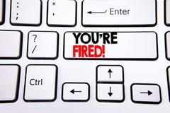 Ręki writing teksta podpisu inspiracja pokazuje Ciebie Podpala Biznesowy pojęcie dla bezrobotni lub rozładowanie pisać na biały k zdjęcia royalty free