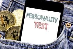 Ręki writing teksta podpisu inspiracja pokazuje osobowość testowi Biznesowego pojęcie dla postawa telefonu wiszącej ozdoby ocena  obrazy royalty free