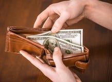 Ręki z pieniądze obrazy royalty free