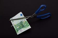 rżnięci rachunków nożyce obrazy stock