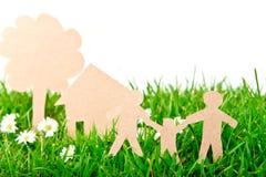 rżnięty rodzinny trawy domu papieru drzewo Obrazy Stock