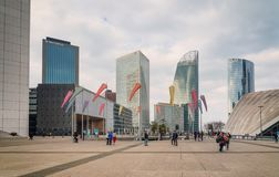 r Αμυντικό εμπορικό κέντρο Λα με τους ουρανοξύστες στοκ εικόνες