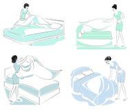 r Σχεδιάγραμμα μιας γλυκιάς κυρίας Το κορίτσι κάνει το κρεβάτι στο δωμάτιο Μια γυναίκα είναι καλή σύζυγος και τακτοποιημένη νοικο απεικόνιση αποθεμάτων
